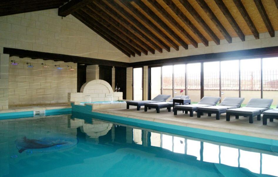 Casa con piscina climatizada gran casa con piscina for Piscina climatizada merida